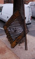 Marché aux Puces Paris Flea Market Renault 16