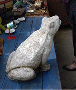 Marché aux Puces Paris Flea Market Grenouille ciment 34