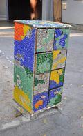 Puces de Vanves Paris Flea Market Meuble mosaïque 15