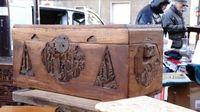 Marché Puces Porte Vanves Paris Antiques Flea Market - Coffre en bois